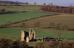 Edlingham Castle (© leefrost.co.uk)