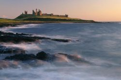 Dunstanburgh Castle (© leefrost.co.uk)