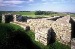 Housesteads Fort, by Hadrian's Wall (© graeme-peacock.com)